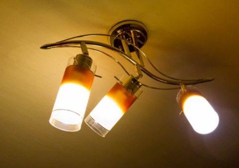 Люминесцентные лампы в люстре