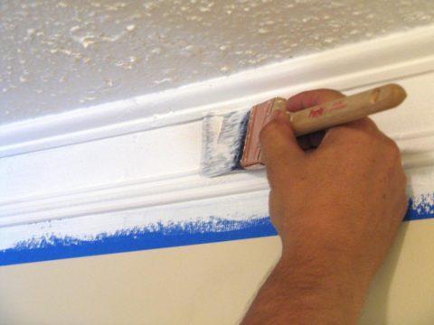 Малярная лента защитит от краски и стены