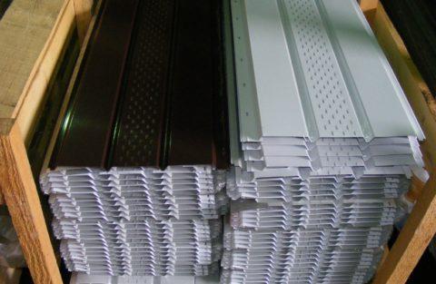 Металл практически не меняет размеров при повышении температуры воздуха
