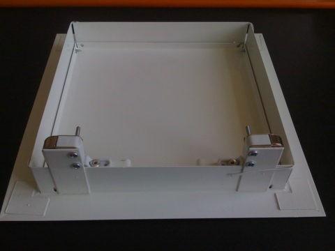 Металлическая модель с защелкой