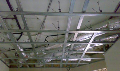 Металлический каркас для монтажа подвесного потолка