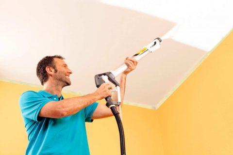 На некоторых потолках может быть масляная краска