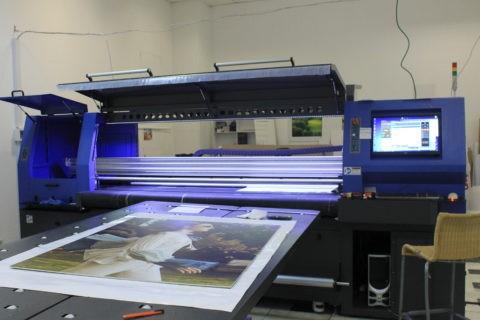 Нанесение печати на стекло