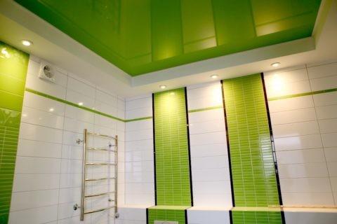 Натяжной потолок — доступное и современное решение для ванной комнаты