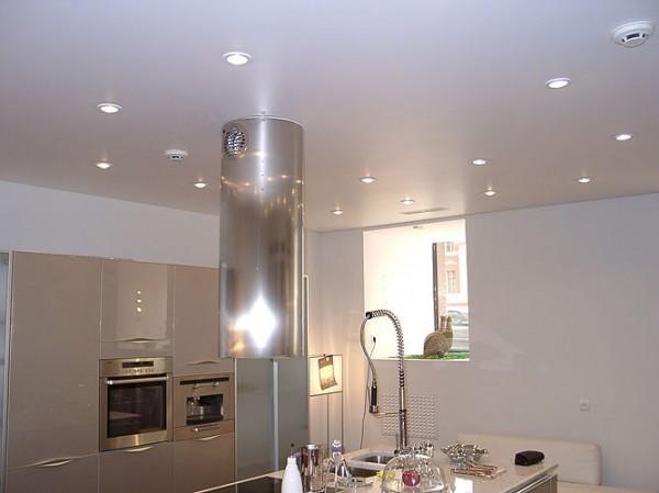 Обход вытяжки на кухне