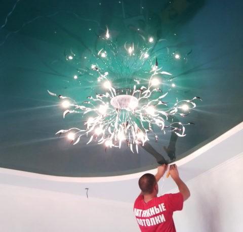 Натяжные потолки – это не только красота, но и приличный функционал