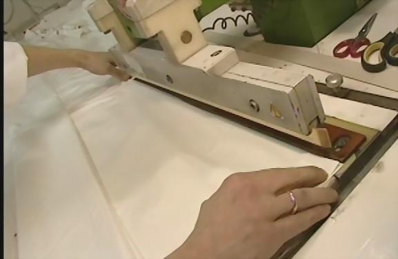Процесс изготовления натяжного потолка
