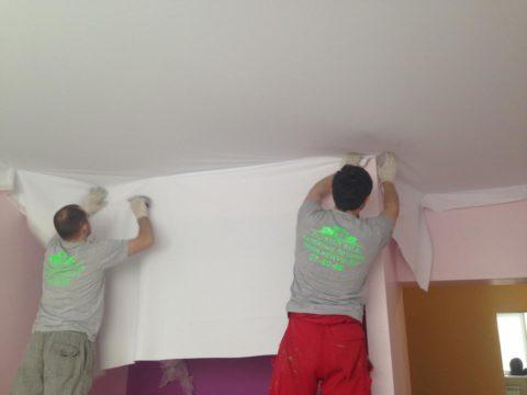 Натяжные потолки ситец - последовательное натяжение полотна