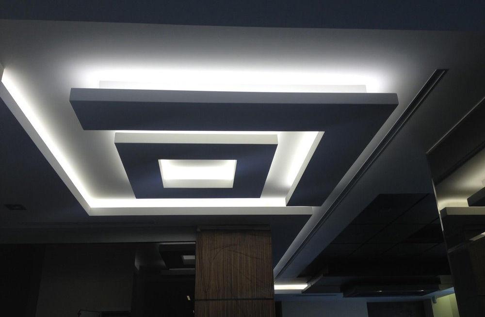 Многоуровневый натяжной потолок с подсветкой – особенности и установка