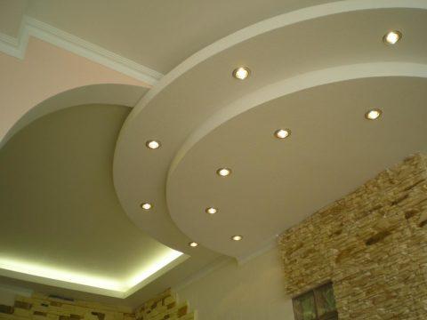Объемный многоуровневый потолок