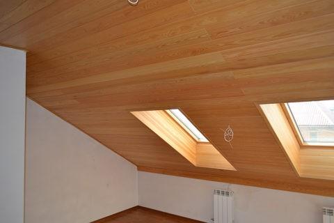 Обшивка потолка ламинатом
