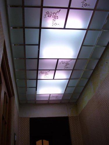 Матовые стеклянные панели с подсветкой