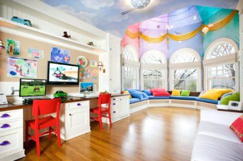 Оформление детской комнаты с эркером