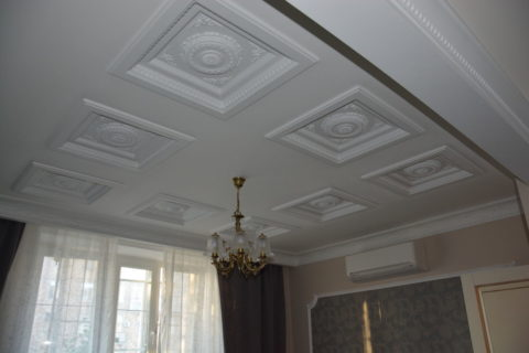 Оформление подвесного гипсокартонного потолка