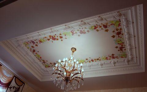 Оформление подвесного потолка