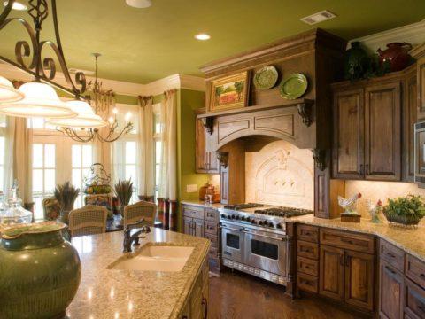Окрашивание в цвет, который использован на стенах, объединяет интерьер и делает его уютным