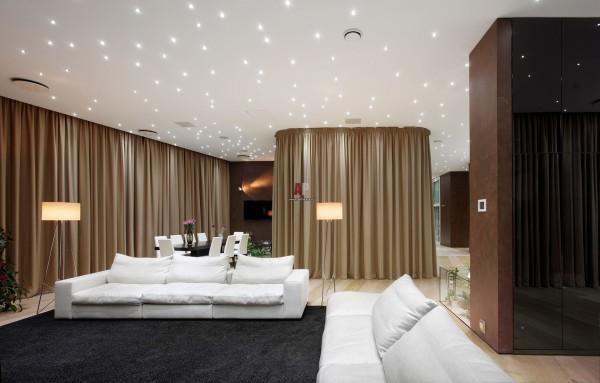 Оптоволоконная подсветка на матовом натяжном потолке