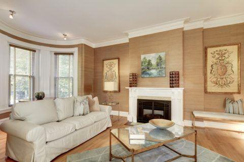 Оштукатуренный потолок – классика жилых интерьеров