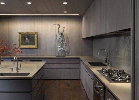 Отделка потолка и стен кухни пластиком в одном стиле с мебельными фасадами