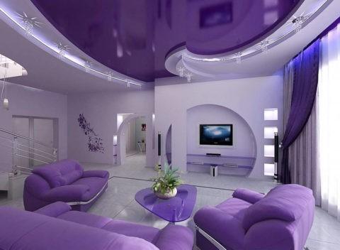 Отделка поверхности потолка должна гармонично сочетаться с интерьером помещения