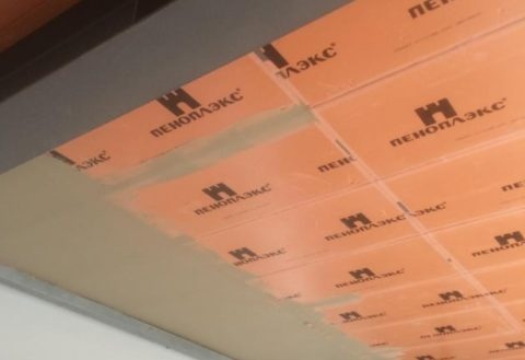 Пеноплэкс отлично подходит для бетонных потолков