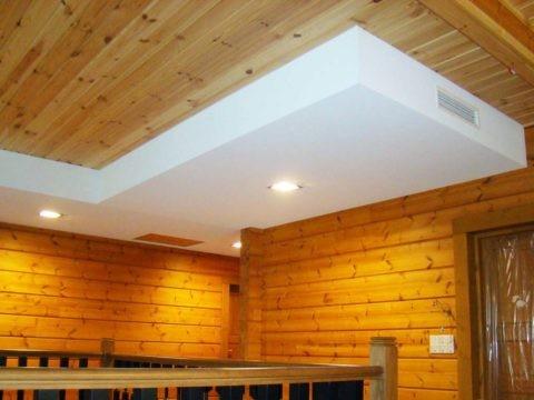 Перепускные решетки в разных концах потолка