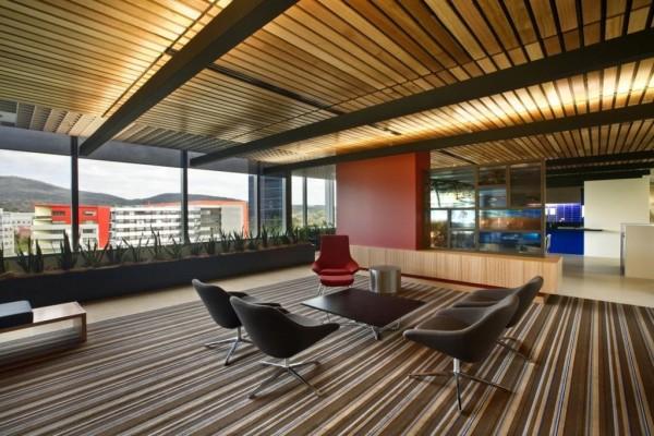 Перфорация деревянного потолка : монтаж доски с зазором
