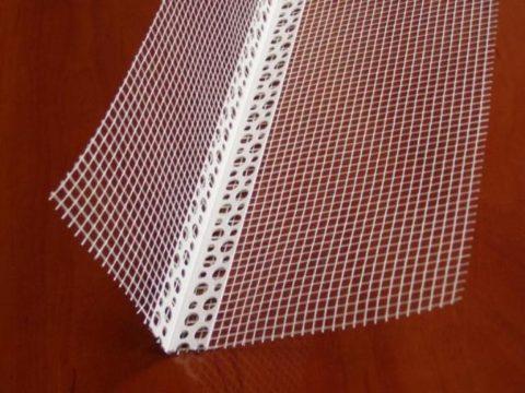 Перфорированный угол со стеклосеткой