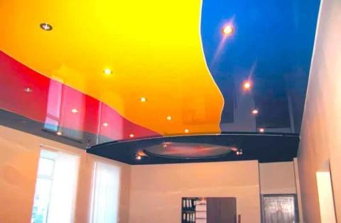 Пленка ПВХ на потолке