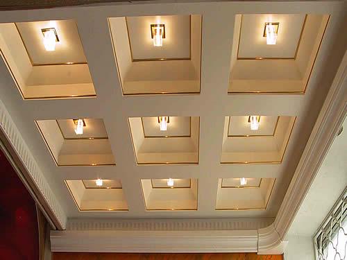 Гипсовый кессонный потолок