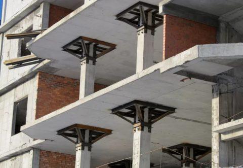 Плоские перекрытия в строящейся жилой многоэтажке