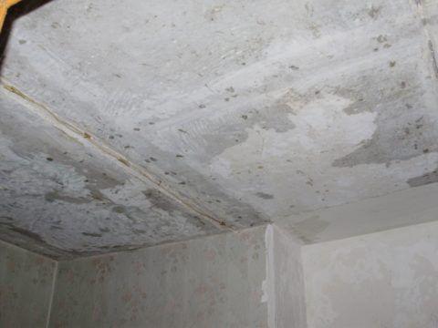 Подвесной потолок скроет даже пятисантиметровый перепад между панелями перекрытия