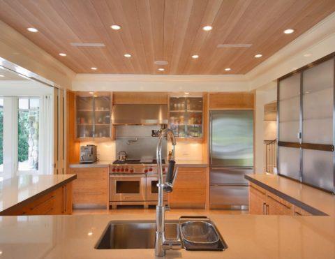 Потолки для кухни реечные