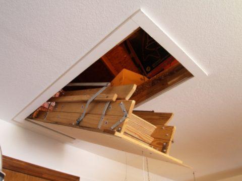 Потолочный люк с лестницей