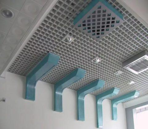 Потолок из ячеистых модулей