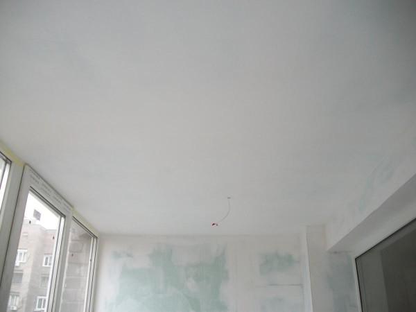 Потолок, подготовленный под покраску