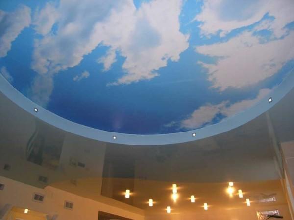 С печатью и изображением облаков на небе