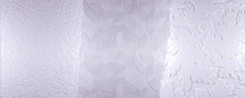 Прессованная плитка — самый дешевый материал для отделки потолка на кухне