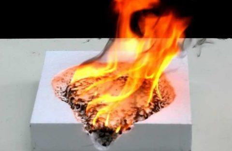 При горении пенопласта выделяются ядовитые соединения