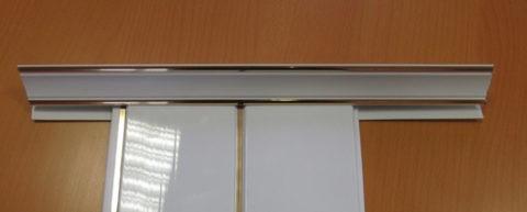 Принцип стыковки плинтусов и панелей