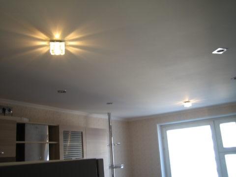 Простейшая конструкция гипсокартонного потолка