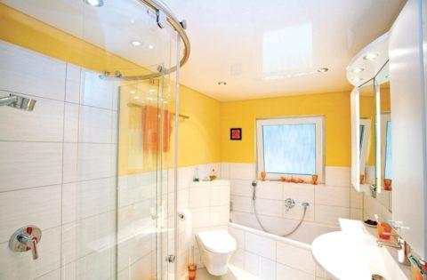 Просыпаться стоя у зеркала в такой ванной – одно удовольствие
