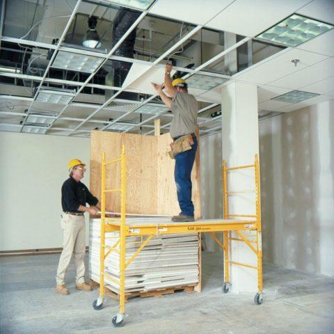 Процесс сборки потолка