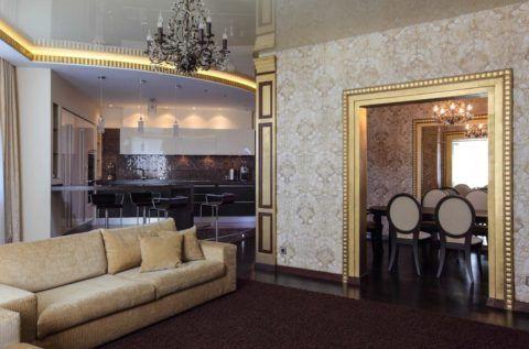Путём комбинирования формы, цвета и степени глянца потолка, можно осуществить акцентирование на определённой зоне