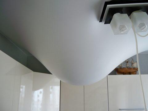 ПВХ потолки способны эффективно держать воду