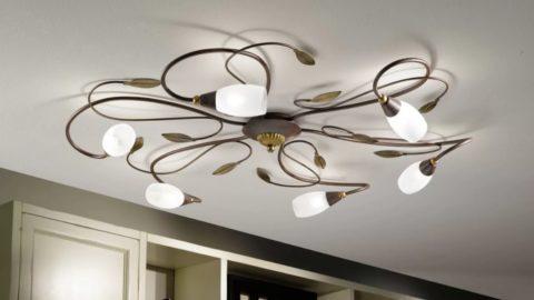 Разнообразие форм современных осветительных приборов просто поражает: люстра для низкого потолка