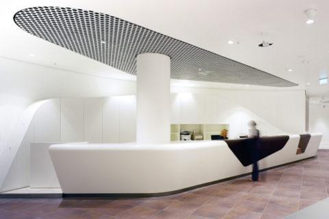 Решетка может быть гармонично вписана и в интерьеры со стилевой направленностью