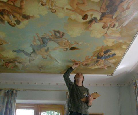 Роспись на потолке из ткани