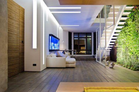Сегментный потолок для невысокого помещения