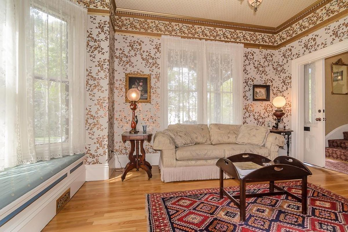 Обои для комнаты с низкими потолками фото номера